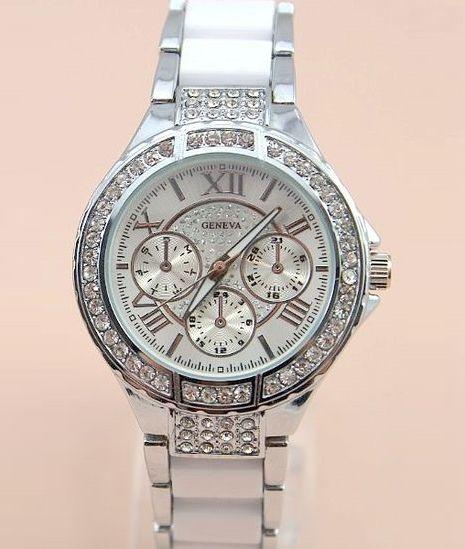 Vykladané dámske hodinky Geneva Stripe N - Strieborné 6c2679a5699