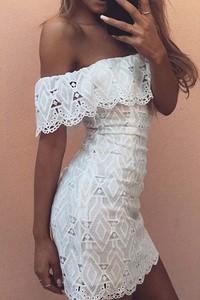 Dámske šaty s čipkou - biele empty c48414cf087
