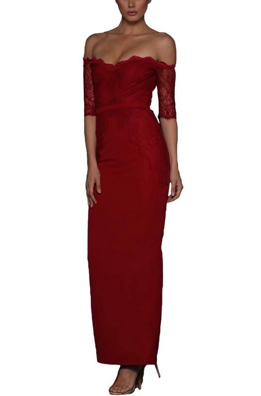 a1e3f921f9d7 Nádherné červené spoločenské šaty