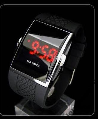 LED hodinky s chrómovým lemom