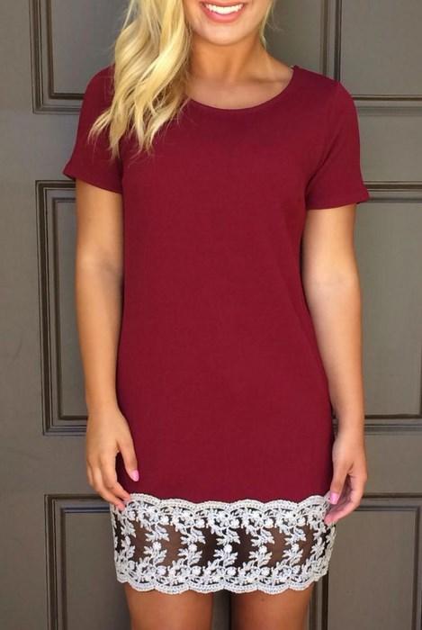 Dámske červené šaty s čipkou 83864f045c9