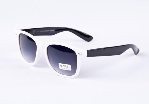 06100e612 Slnečné okuliare WAYFARER - biely ram + čierne boky